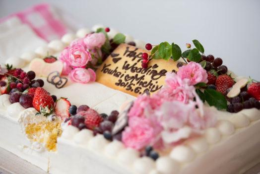 砂丘の家レイガーデンウェディングのウェディングケーキはパティシエ手作り